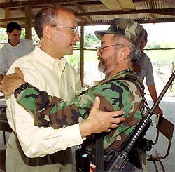 Former NYSE chief Richard Grasso embrace FARC commander