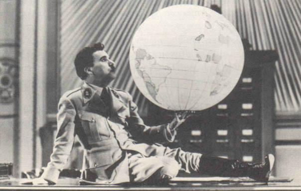 Adenoid Hynkel, ur Chaplins Diktatorn